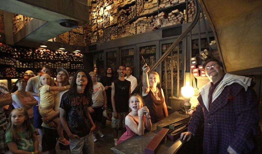 Ollivander's Wand Shop (The Wizarding World of Harry Potter)