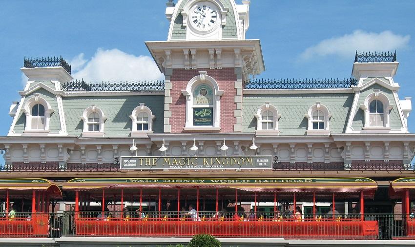 Walt Disney World Railroad (Magic Kingdom – Main Street, U.S.A.)
