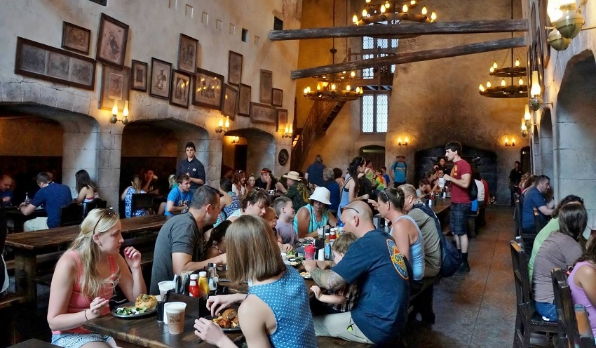 The Leaky Cauldron (Universal Studios Florida - Diagon Alley)