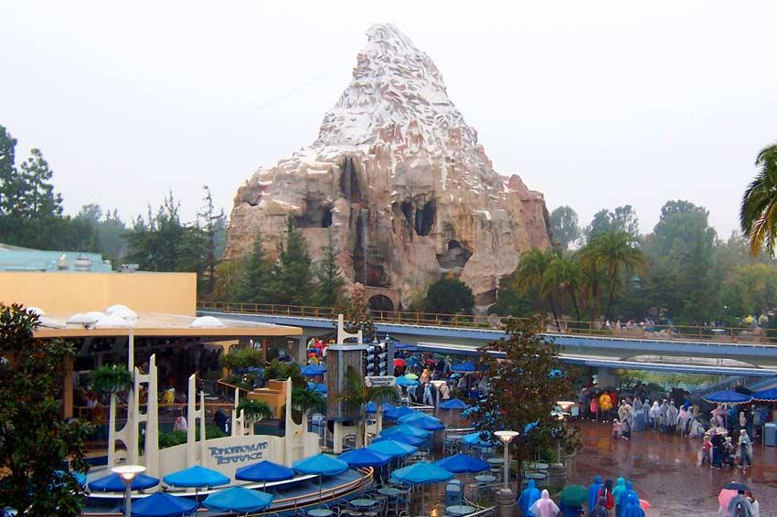 Disneyland Park anuncia melhorias em três atrações clássicas para o aniversário de 60 anos