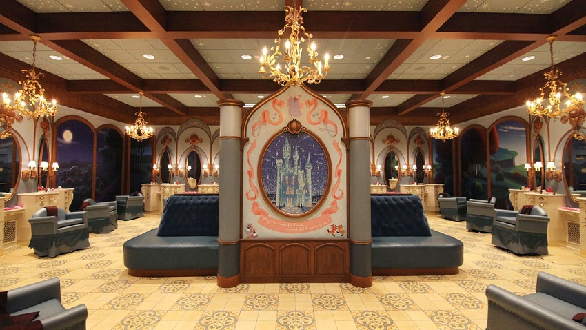 Bibbidi Bobbidi Boutique reabre em novo local no Disney Springs