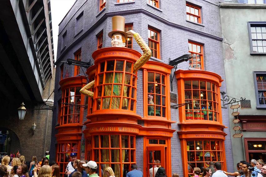 Weasleys Wizard Wheezes (Universal Studios Florida – Diagon Alley)