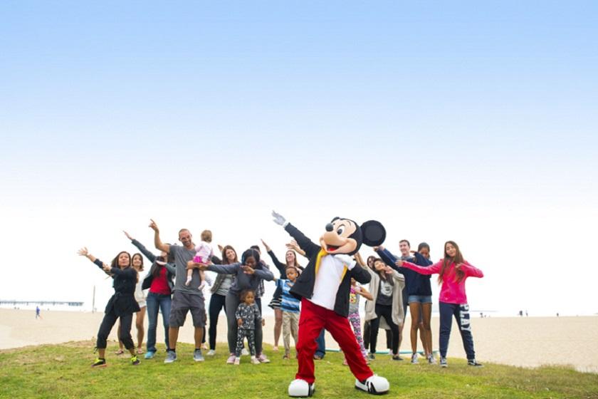 Mickey Mouse celebra seu aniversário com eventos nos parques e ao redor do mundo