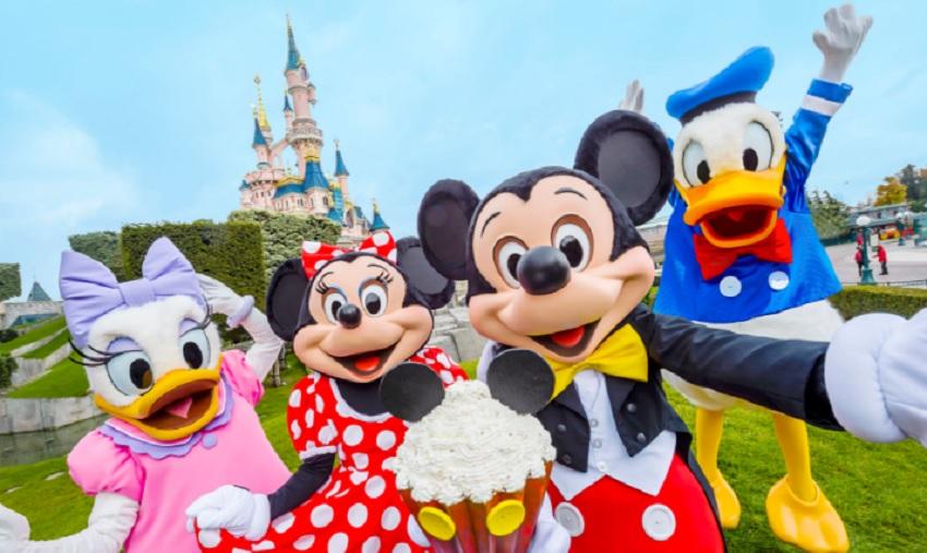 Parques Disney ao redor do mundo celebram aniversário do Mickey Mouse