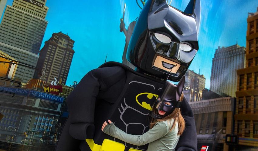 Lego Batman invade Legoland em Orlando e Reino Unido