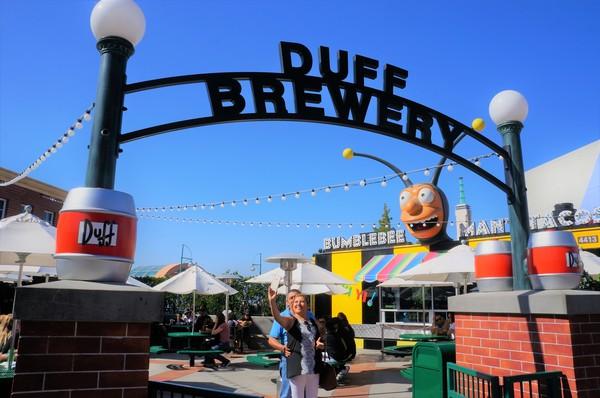 Alimentação Springfield - Duff Brewery Beer Garden