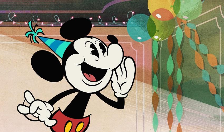 Mickey celebra aniversário mais uma vez nos parques Disney
