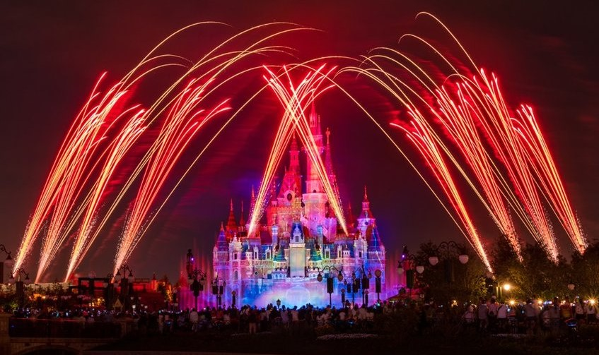 Ignite the Dream – A Nighttime Spectacular of Magic and Light (Shanghai Disneyland – Gardens of Imagination)